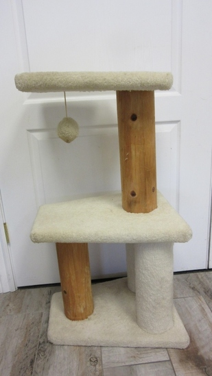 Carpeted Cat Post