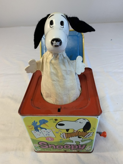 SNOOPY Peanuts 1968 Mattel Jack In The Box