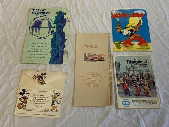 Lot of vintage WALY DISNEY Paper Items