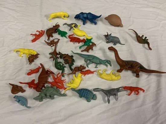 Lot of Plastic Dinosaur Figures Toys