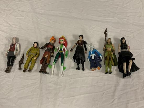 Lot of 8 assorted Action Figures Toys