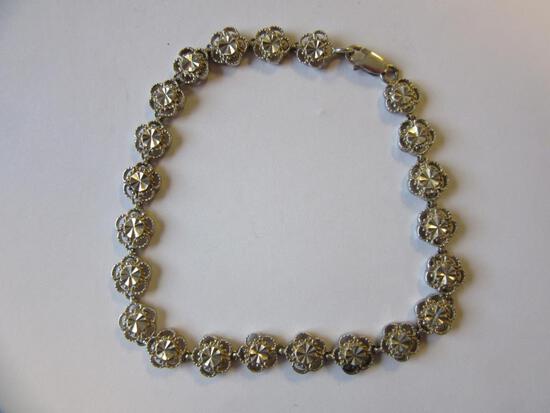 ".925 Silver 7.5g 8"" Flower Shaped Stones Bracelet"