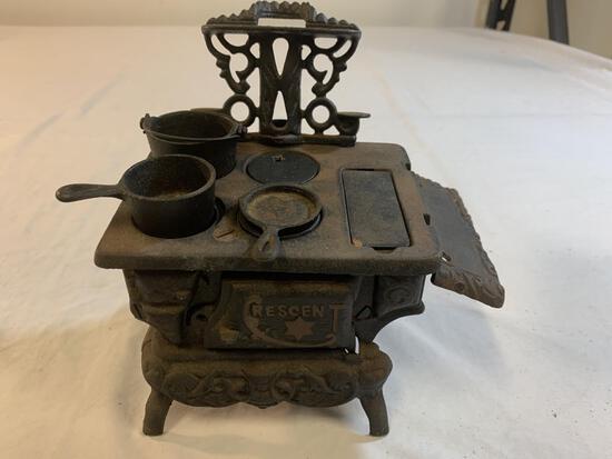Vintage Miniature CRESCENT CAST IRON STOVE Toy