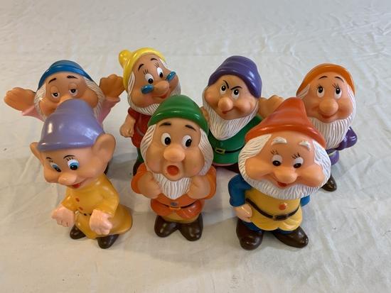 """7  Disney the Seven Dwarfs Rubber 5"""" Figures"""