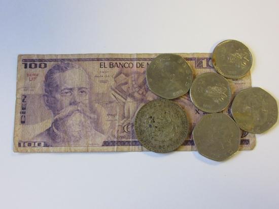 1981 100 Pesos Mexican Banknote w/ 6 Mexican Coins