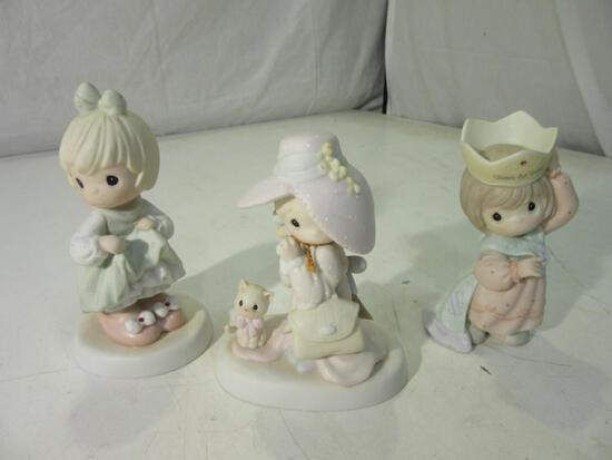 Lot of 3 Precious Moments Ceramic Figures 'To a Very Special Mom', 'Whos Gonna Fill Your Shoes'