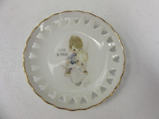 """1978 Precious Moments """"Love is Kind"""" Decorative 4"""" Plate"""