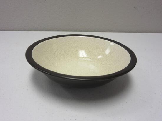 Black and White Mikasa Terra Stone Vanilla E1955 Bowl