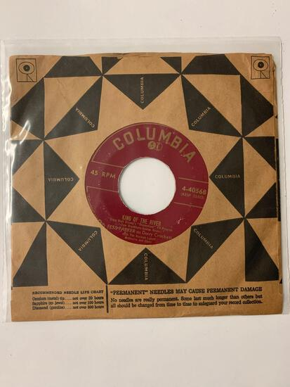 FESS PARKER WITH THE NORMAN LUBOFF ORCHESTRA AND CHOIR King Of The River / Yaller Yaller Gold 45 RPM