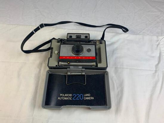 Polaroid 220 Auto Land Camera Instant Film Camera