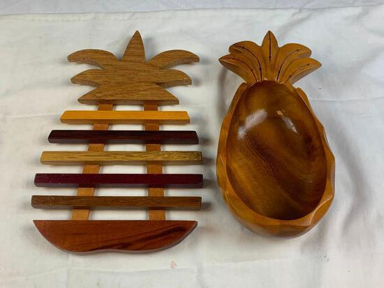 Wood PINEAPPLE Bowl with tray