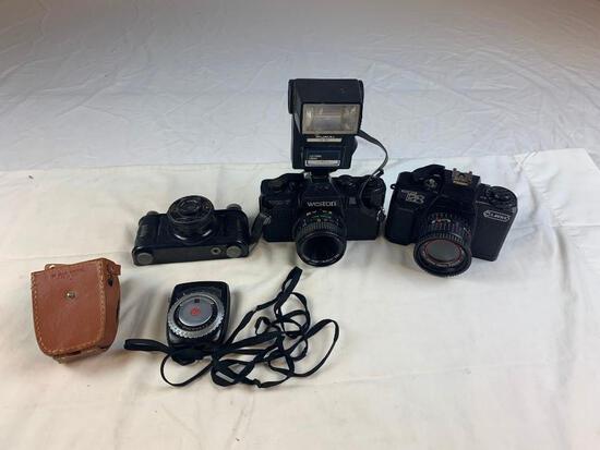 Lot of 3 Vintage film Cameras Weston, Pickwik
