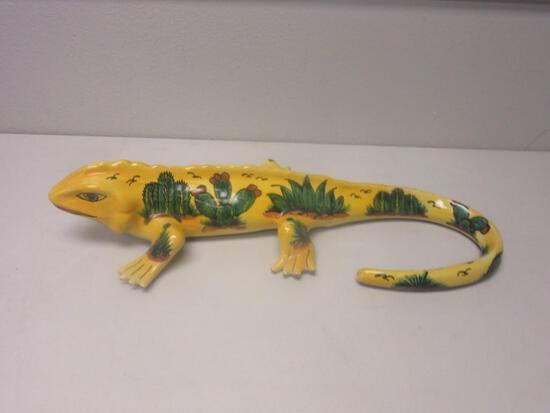 "Ceramic Yellow Gecko w/ Desert Design 24""X10.5""X5.5"""