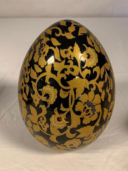 """Oriental Chinese Black and Gold 10"""" Pottery Egg"""