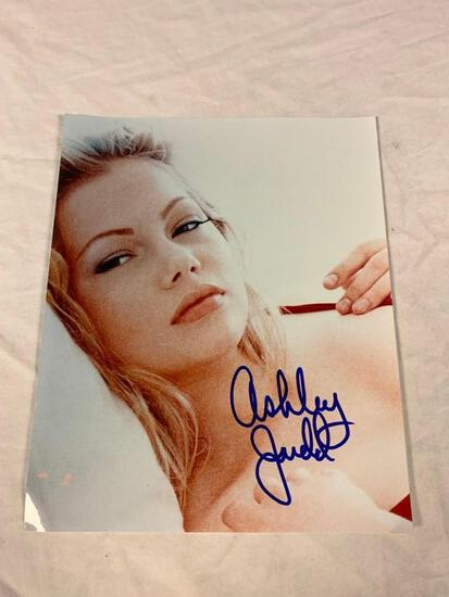 ASHLEY JUDD actress...AUTOGRAPH 8x10 Color Photo