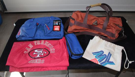 Lot of 5 unused duffel and sports bags