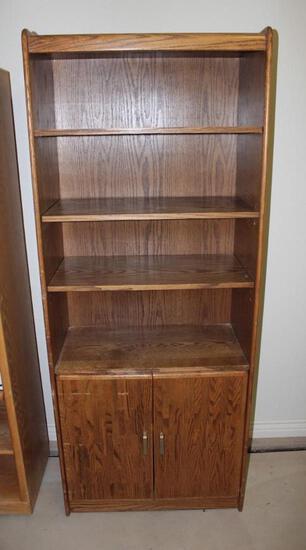 Oak 4 shelf unit with bottom 2 door cupboard