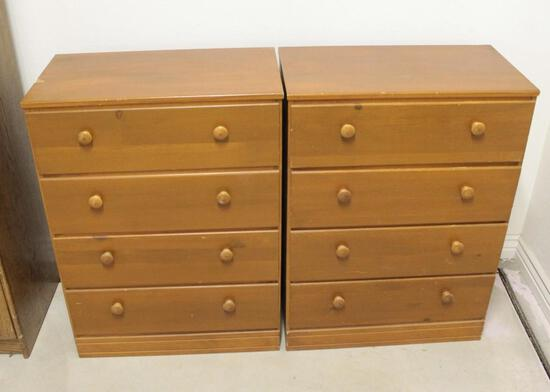 Lot of 2 chests, 4 drawers,