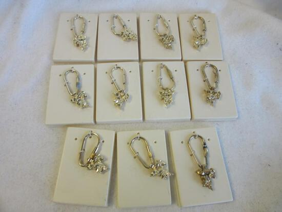 Lot of 11 Identical Gold-Toned Geometric Charm Keychains