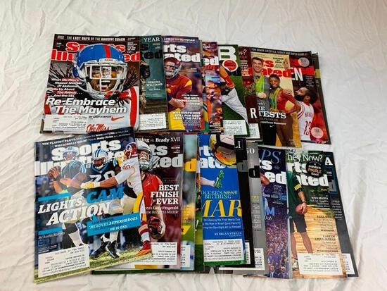 Lot of 22 sports illustrated Magazines