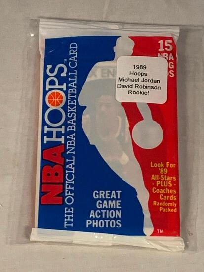 1989 Hoops Basketball Sealed Pack of cards