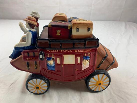 WELLS FARGO & COMPANY U.S. MAIL Stagecoach Ceramic COOKIE JAR 2011