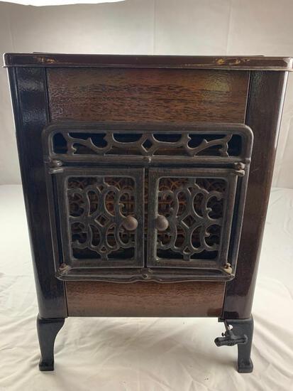 Vintage Gaffers & Sattler Metal Cast Iron Gas Space heater Wood Grain decor
