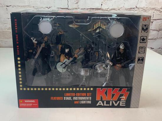 2002 McFarlane Limited Edition Limited Edition Box Set KISS ALIVE Stage Figures