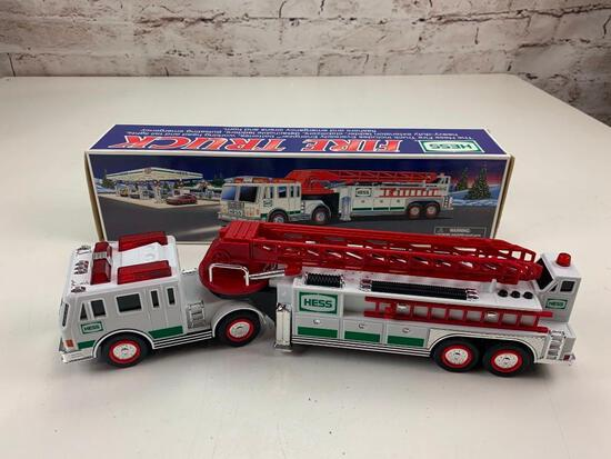 2000 Hess Truck Fire Truck with Ladder with box