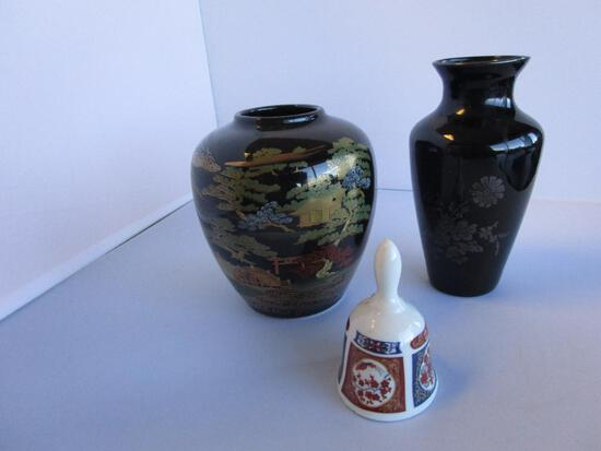 Lot of 2 black porcelain Asian-style vases and a miniature bell