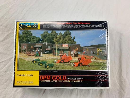 DPM Gold Olsen Feeds & Larsens Implement #661 N scale NEW SEALED