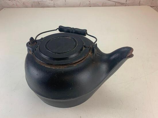 Antique Primitive Cast Iron Number 8 Fireplace Kettle Tea Coffee Pot 1800's