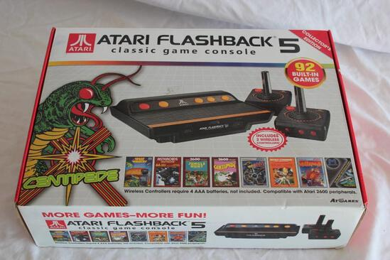 Atari Flash Back 5 Collectors Edition Wireless Controllers