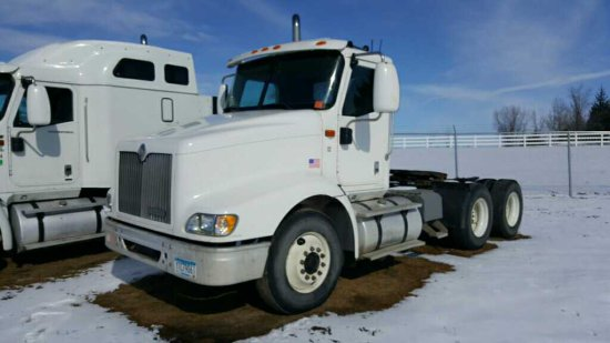 '00 International 9100 Day Cab Tractor Truck