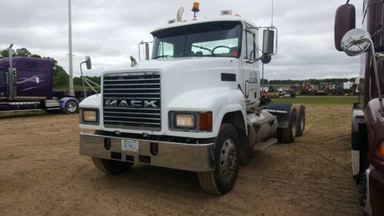 '00 Mack CH613 Day Cab Tractor Truck