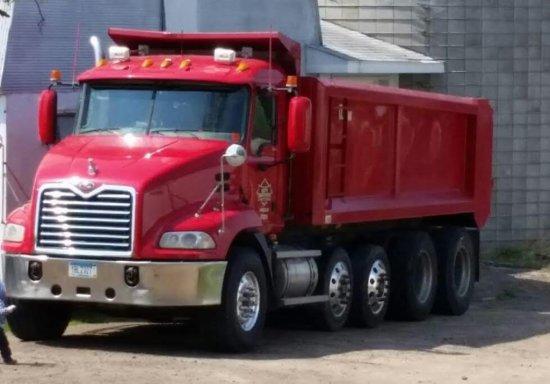 '05 Mack Vision Quad Axle Dump Truck