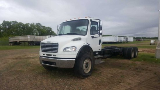 '06 Freightliner TA Cab & Chassis