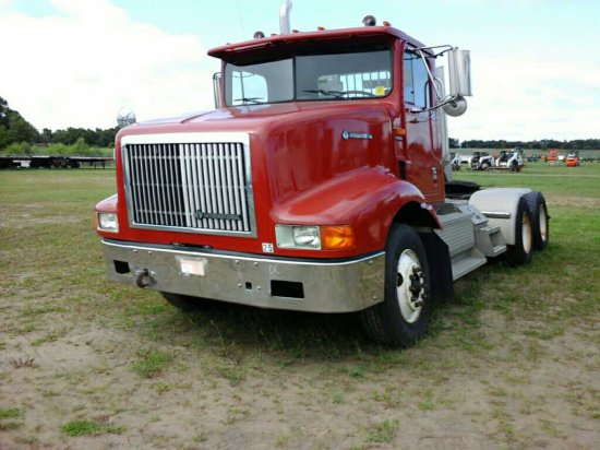 '95 International 9200 TA Daycab Tractor Truck