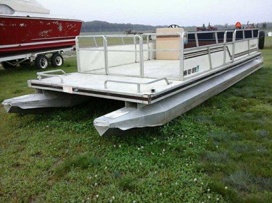 '87 Kennedy 24' Pontoon Boat  * No Trailer*