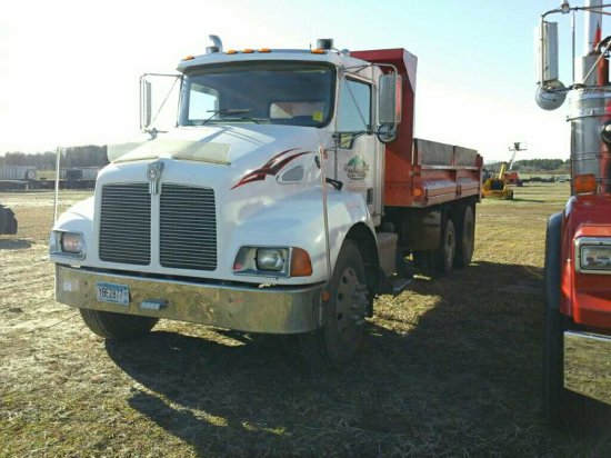 '99 Kenworth T300 SA  w/Pusher Dump Truck