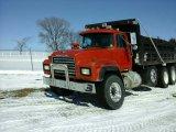 '02 Mack RD6885 Tri Axle Dump Truck
