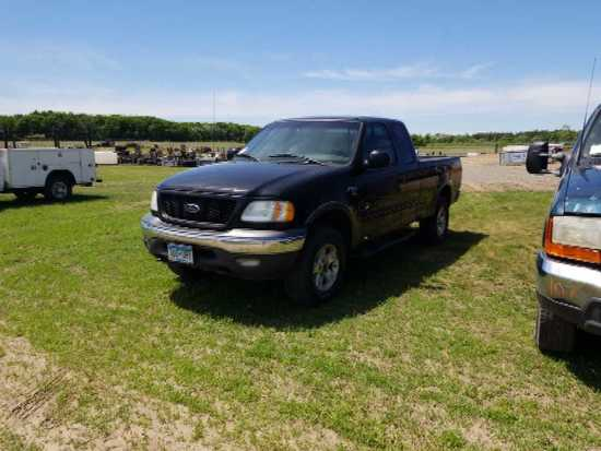 '02 Ford F150 Ext Cab Pickup Truck