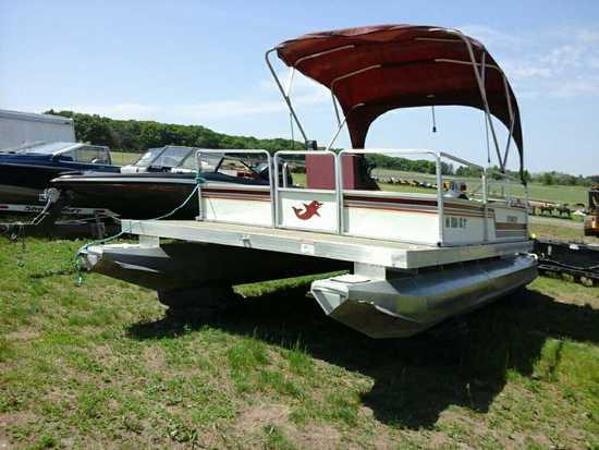 '93 Kennedy Pontoon & Motor * Sells NO TITLE*
