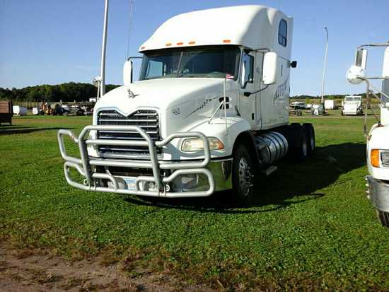 '08 Mack Pinnacle Sleeper Tractor Truck