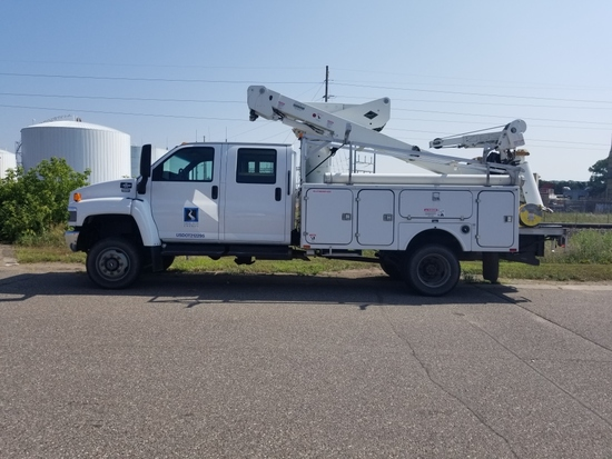 '06 Chevrolet C5500 Quad Cab Bucket Truck