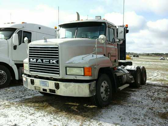 '99 Mack CH613 Day Cab Tractor Truck
