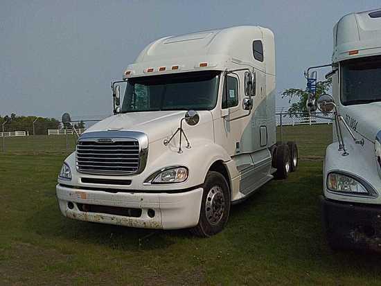 '05 Freightliner Columbia TA Sleeper Tractor Truck
