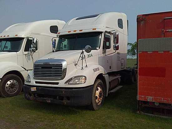 '04 Freightliner TA Sleeper Tractor Truck