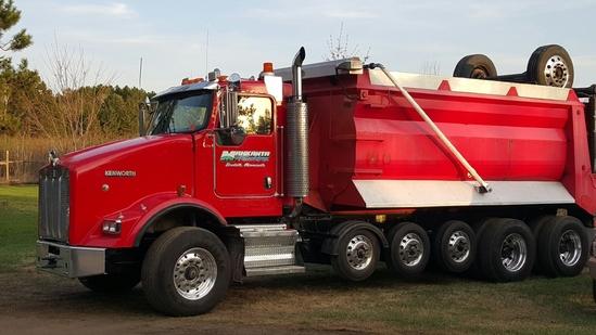 2007 Kenworth T800 Quint Dump truck w/ Strong Arm