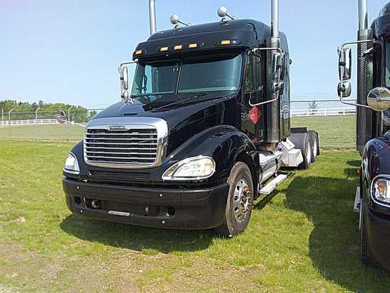 '06 Freightliner TA Sleeper Tractor Truck